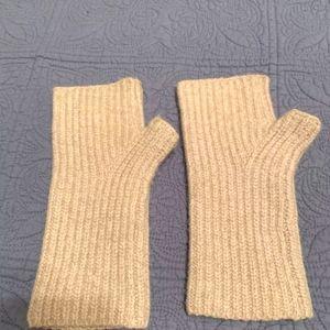 🧸CLUB MONACO wool fingerless gloves